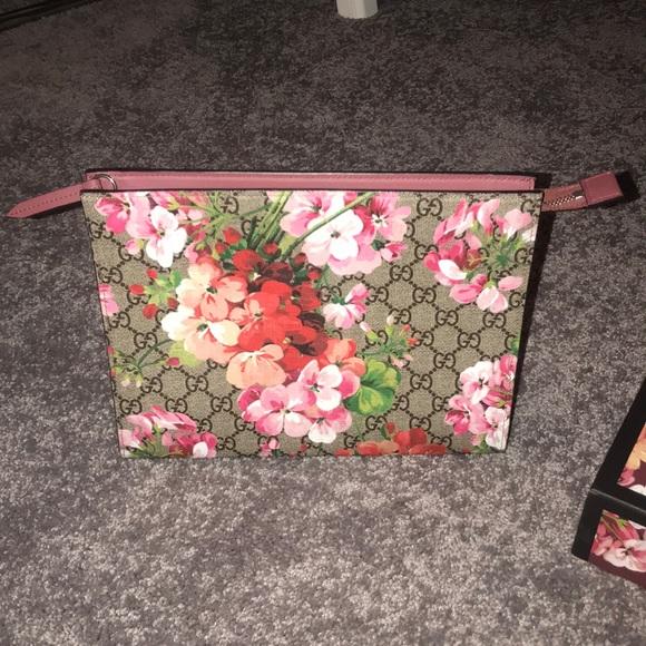 b7e6cff00e1cd8 Gucci Bags | Gg Blooms Large Cosmetic Case | Poshmark